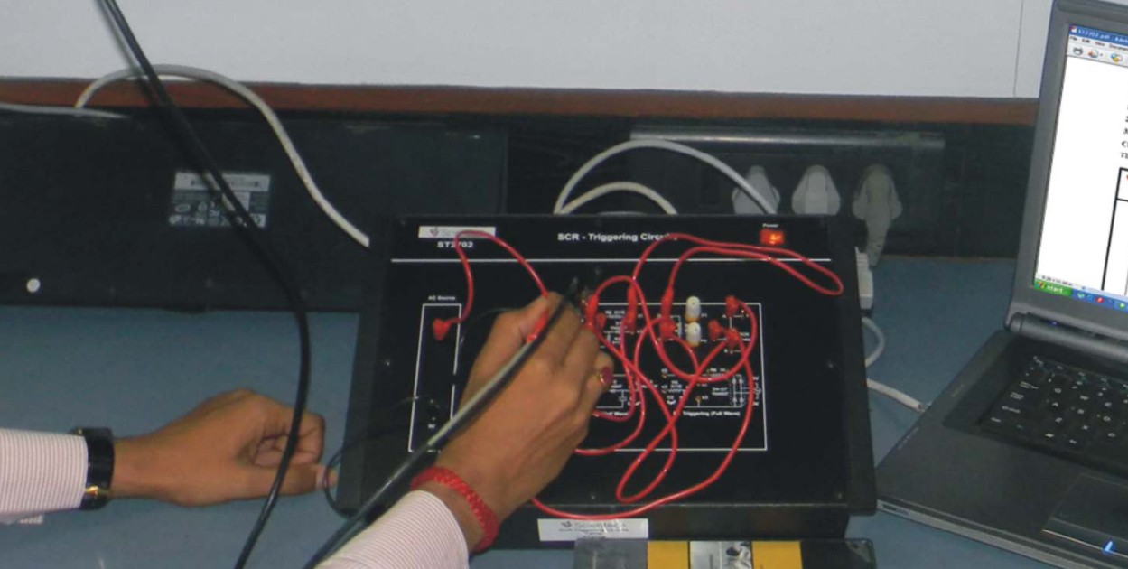 Scientech2702 Scr Triggering Circuits Maranata Madrid Sl Nif B Circuit 85746204